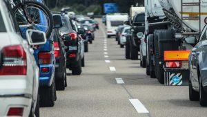 Mit Vollgas in den Verkehrskollaps: Der Kampf um die Mobilität von Morgen